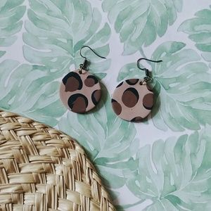 Jewelry - Cheetah print medallion earrings